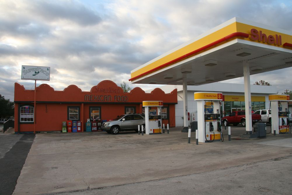 Review Super Taco Gas Station Tacos
